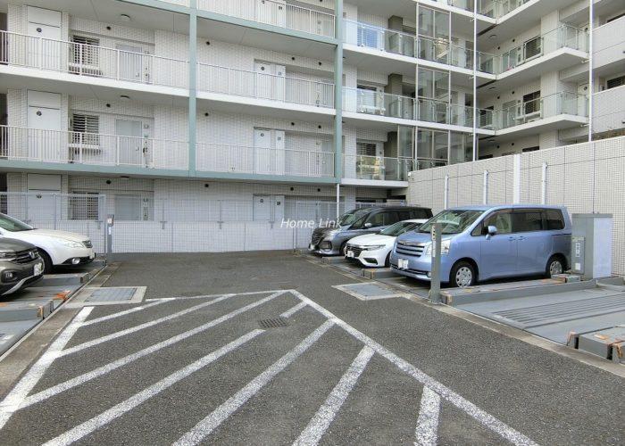 ファミール西台 駐車場