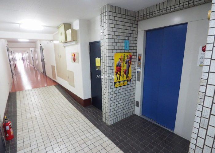秀和大山レジデンス エレベーターホール