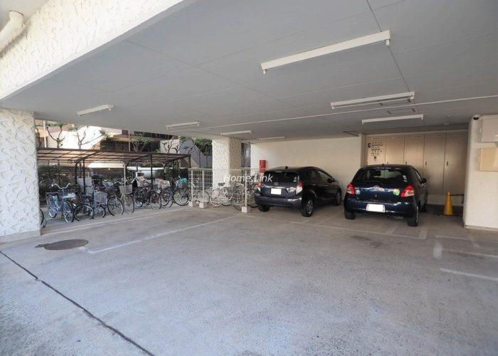 秀和大山レジデンス 駐車場