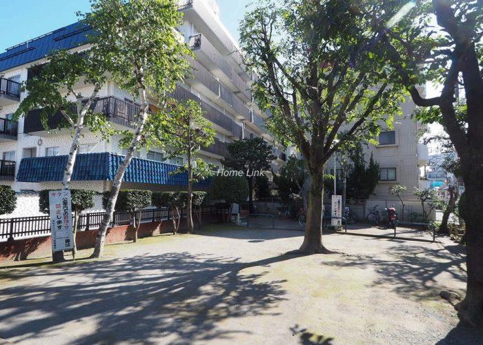 秀和大山レジデンス 敷地内公園