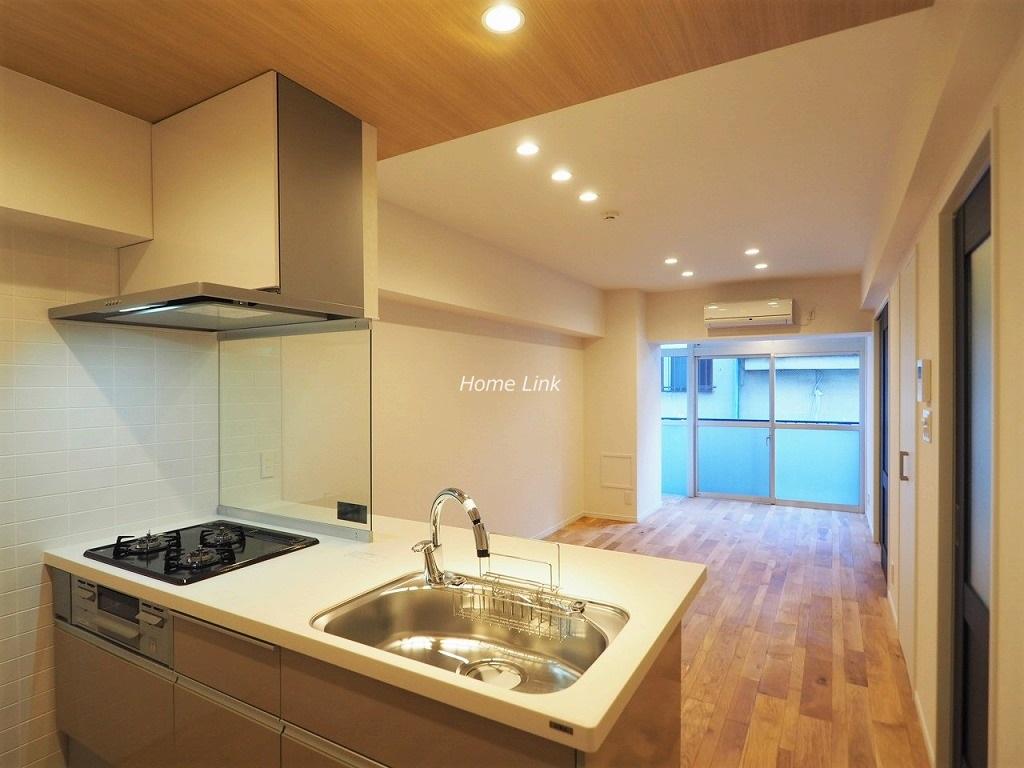 セ・ビアン・メゾン小茂根1階 ペニンシュラ型の対面キッチン