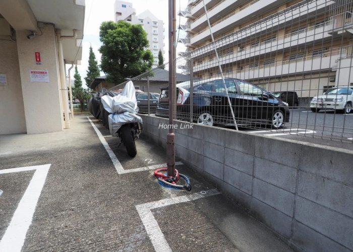 高島平サンパワー バイク置き場