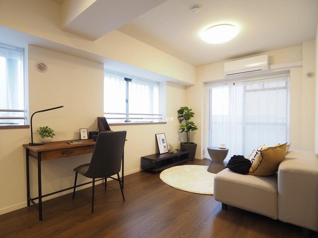 キャニオンマンション蓮根城北公園3階 角部屋で出窓3ヶ所 明るいリビング空間