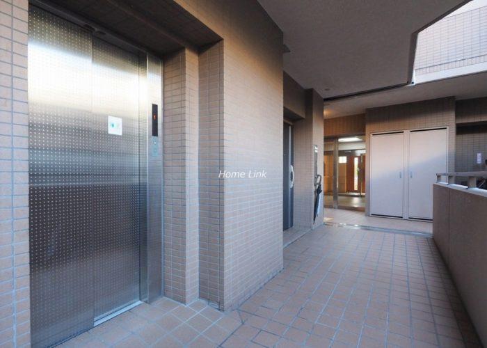 マートルコート板橋泉 エレベーターホール
