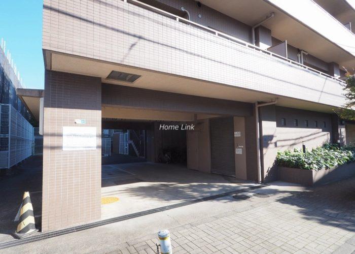 マートルコート板橋泉 駐車場出入口