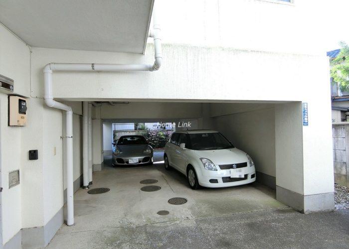 下馬マンション 駐車場
