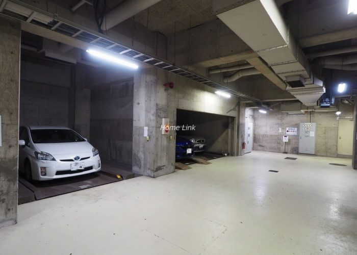 板橋区役所前リリエンハイム 駐車場