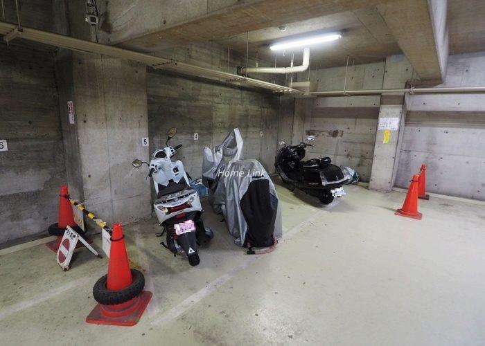 板橋区役所前リリエンハイム バイク置き場