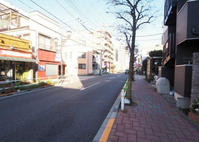 群峰小豆沢グレースマンション 前面道路歩道