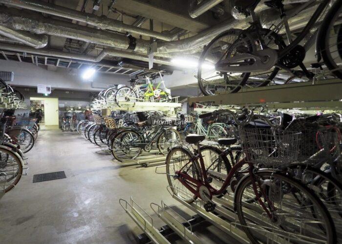 グランアルト加賀 駐輪場