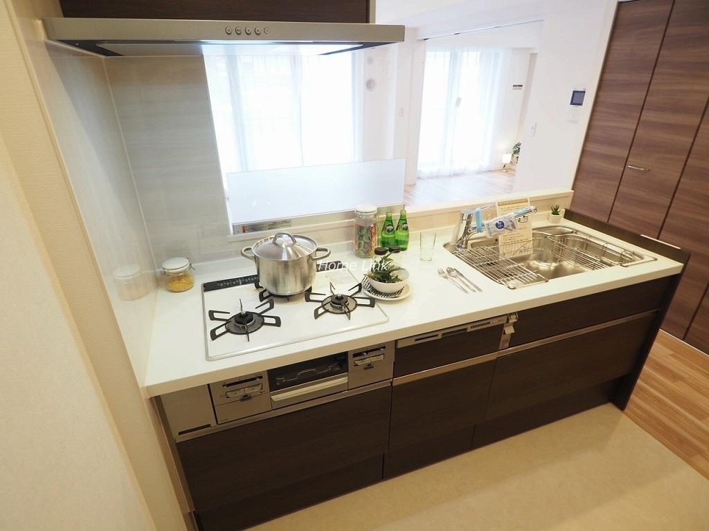 コスモ成増シティフォルム1階 明るく開放的なキッチン