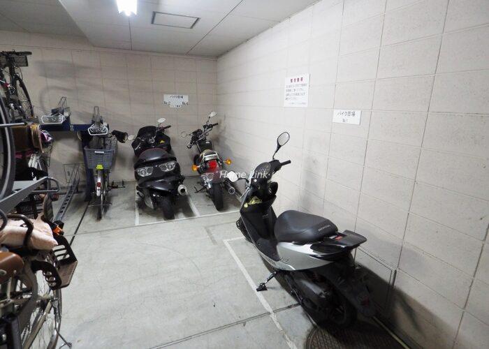 コスモ成増シティフォルム バイク置き場