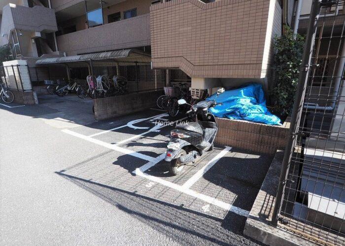 レクシオ志村坂上 バイク置き場