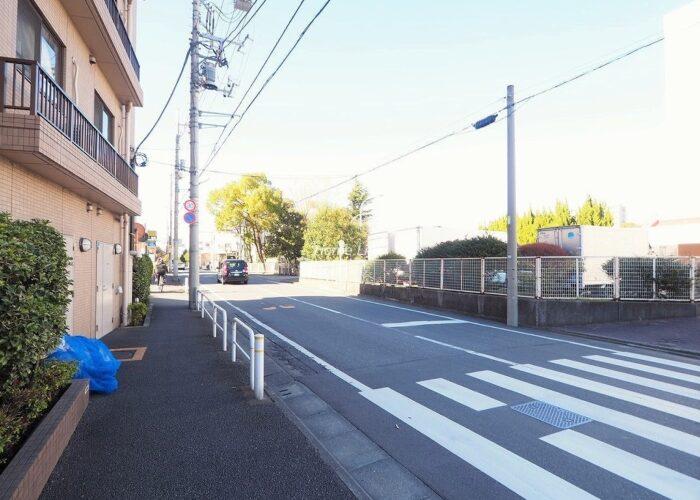 レクシオ志村坂上 前面道路歩道