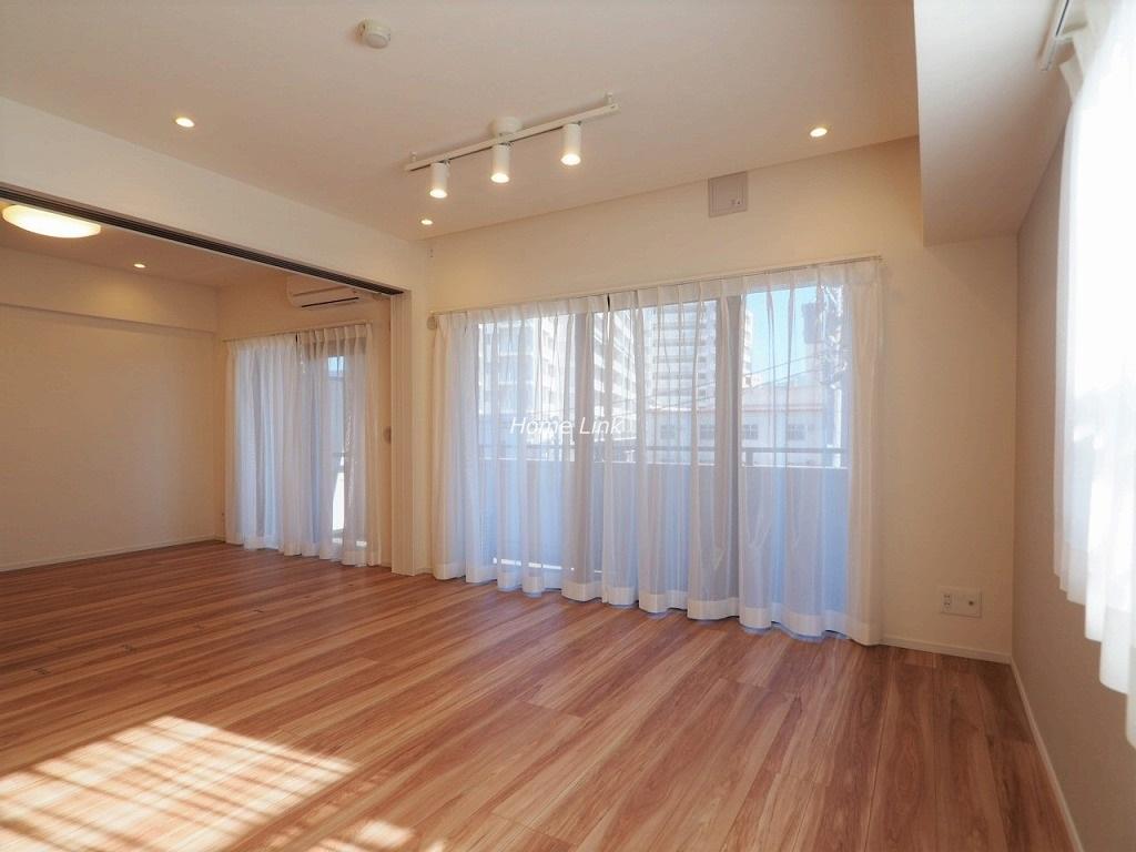 レクシオ志村坂上3階 洋室を開放して19.3帖の空間としても