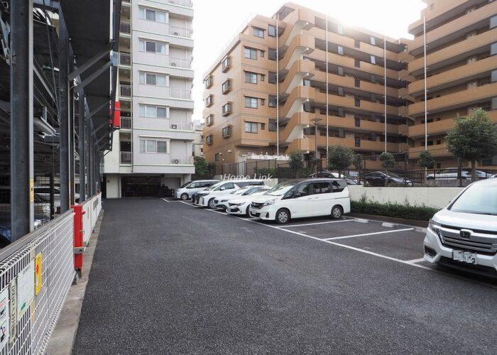 レクセルガーデン成増 駐車場