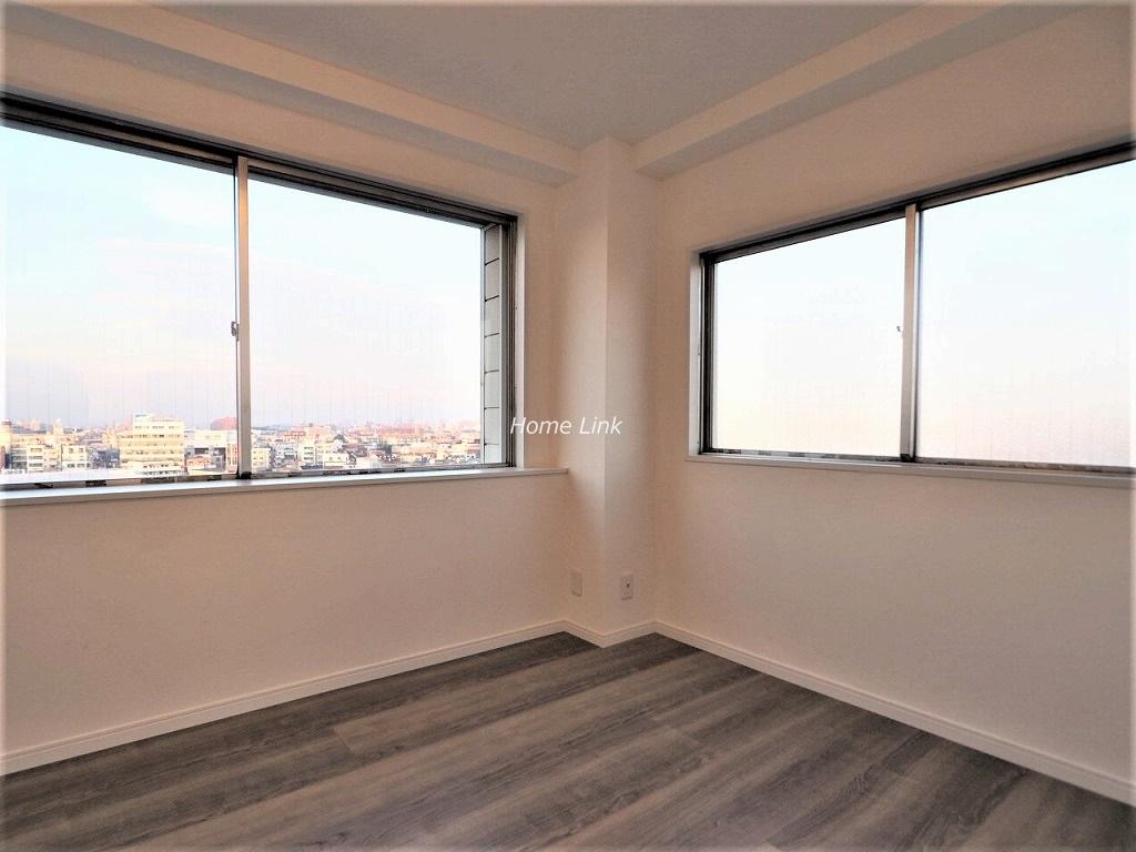 桜川三浦マンション10階 2面採光洋室はウォークインクローゼット