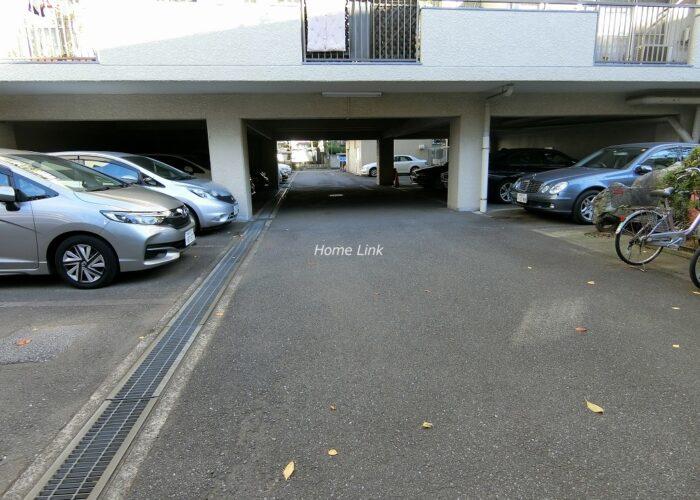 クレールあづさわ 駐車場