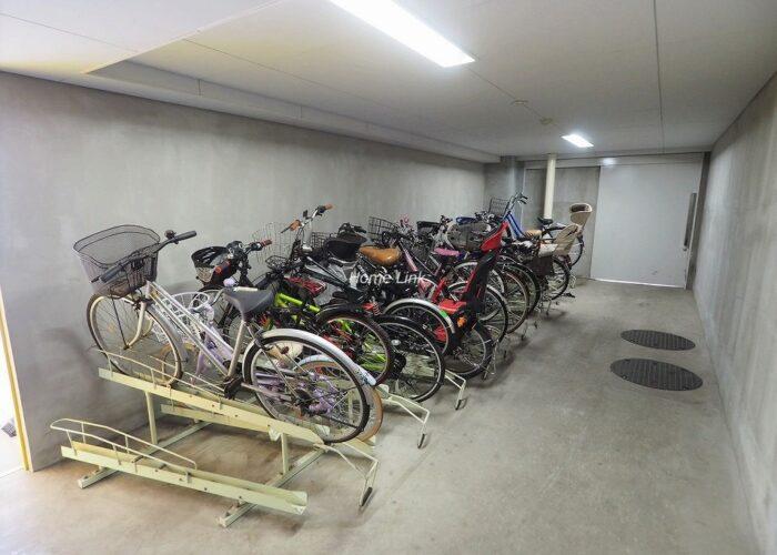グローリオ成増アルグレッソ 駐輪場