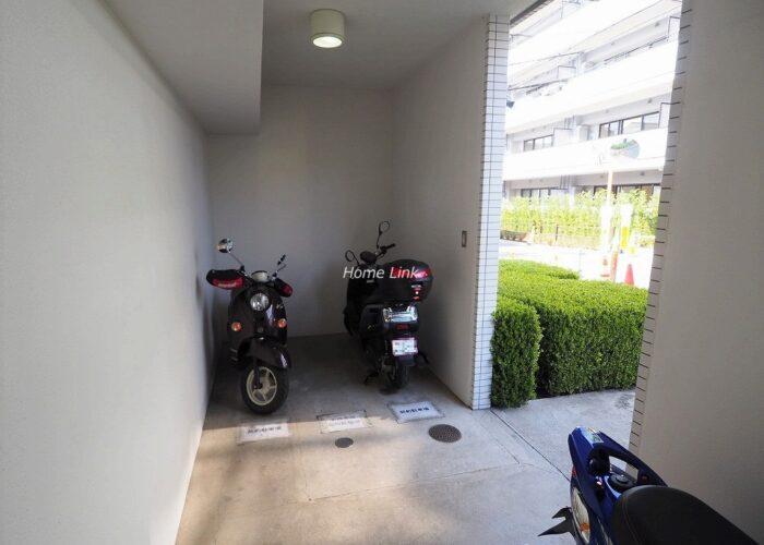 グローリオ成増アルグレッソ バイク置き場