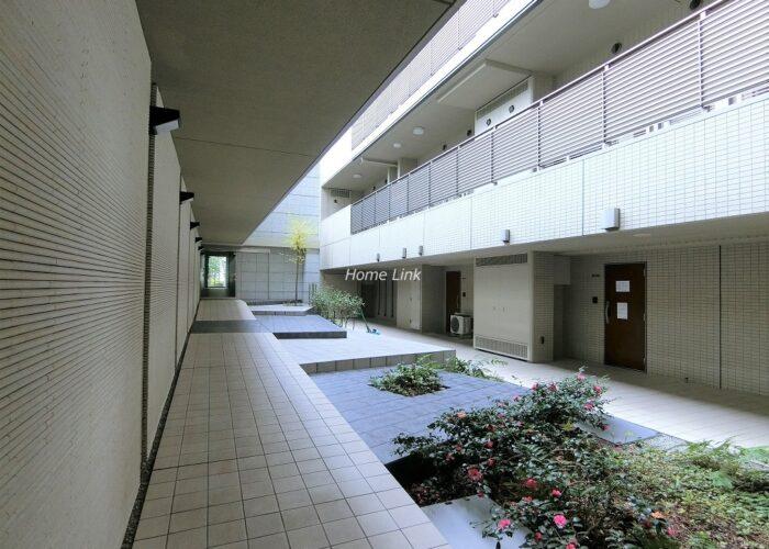 コスモ東京ガーデンパークス 中庭