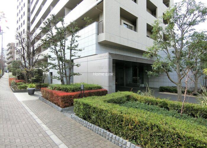 コスモ東京ガーデンパークス エントランス前