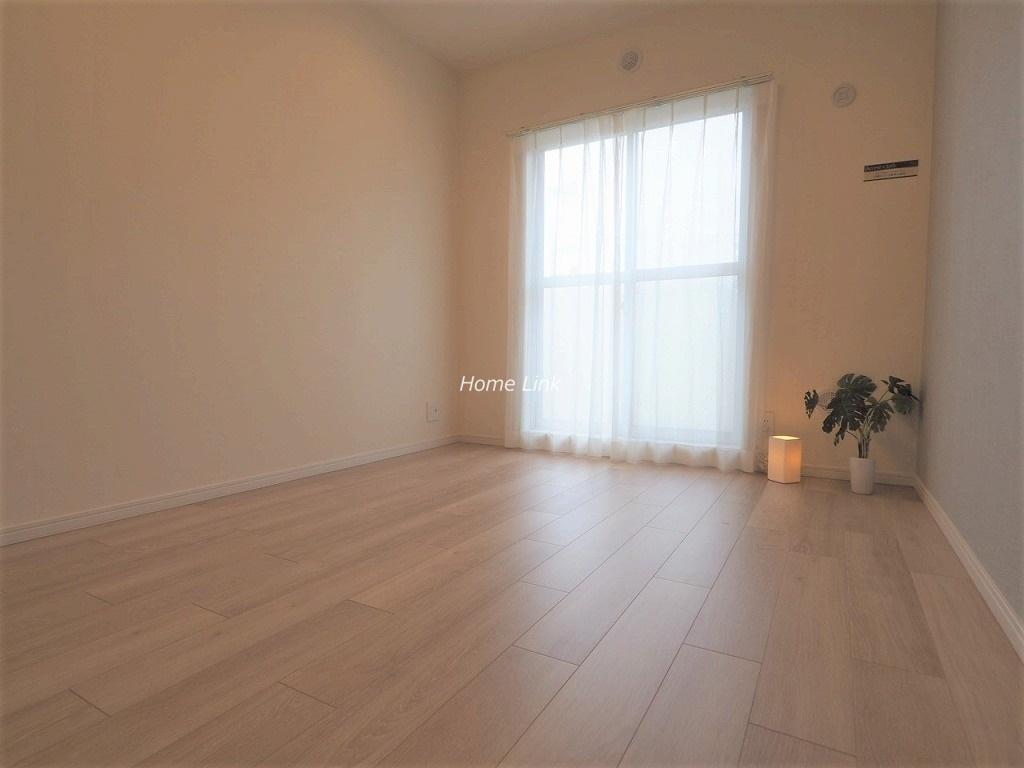 ユニーブル成増4階 ウォークインクローゼット付き洋室