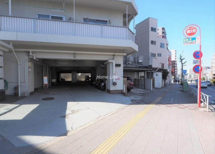 中板橋セントラルマンション 駐車場出入口