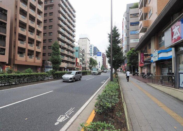 成増ローヤルコーポ 前面道路歩道