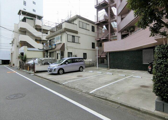 稲和高島平ハイム 駐車場