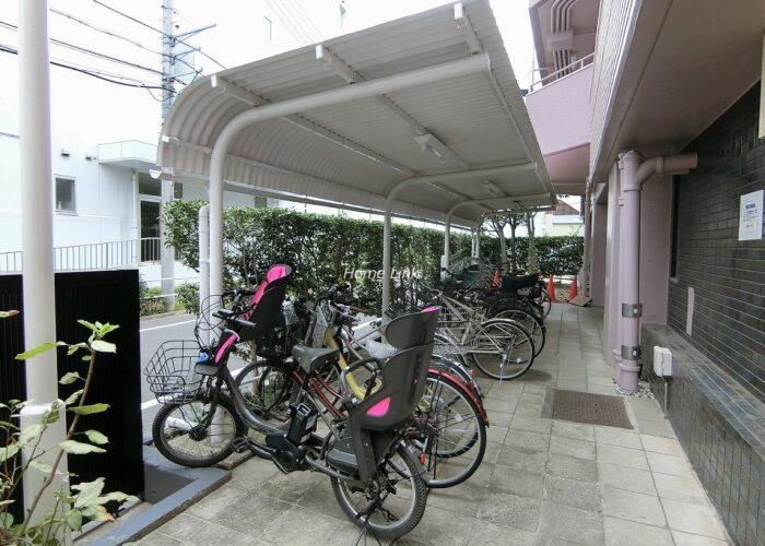 稲和高島平ハイム 駐輪場