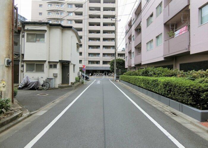 稲和高島平ハイム 前面道路