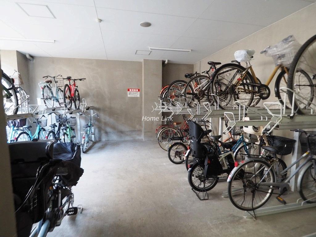 デュオスカーラ常盤台 駐輪場