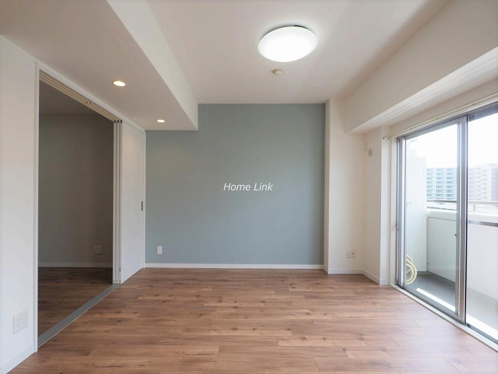 戸田公園スカイマンション8階 横長リビングで明るく洋室と繋げても