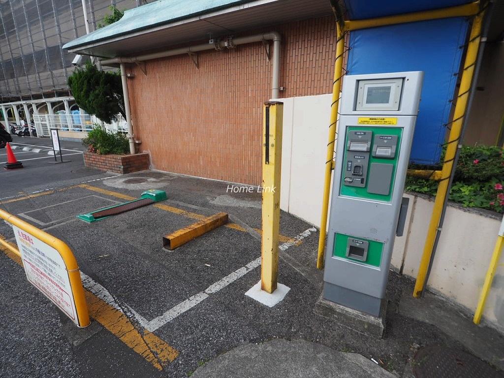 メゾン常盤台 駐車場