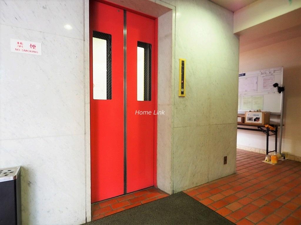 メゾン常盤台 エレベーターホール