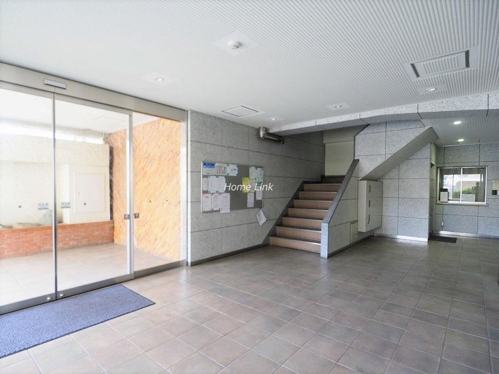 川口栄町グレースマンション エントランスホール