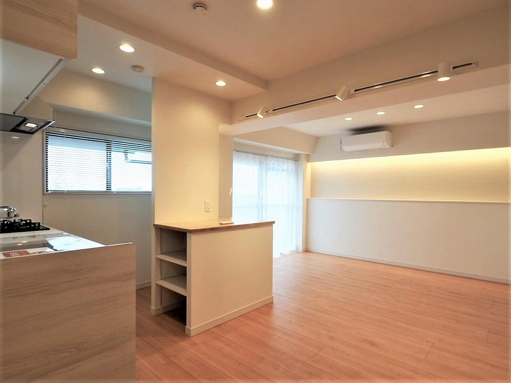 キャニオンビュー成増5階 横長配置で角住戸のような陽当り