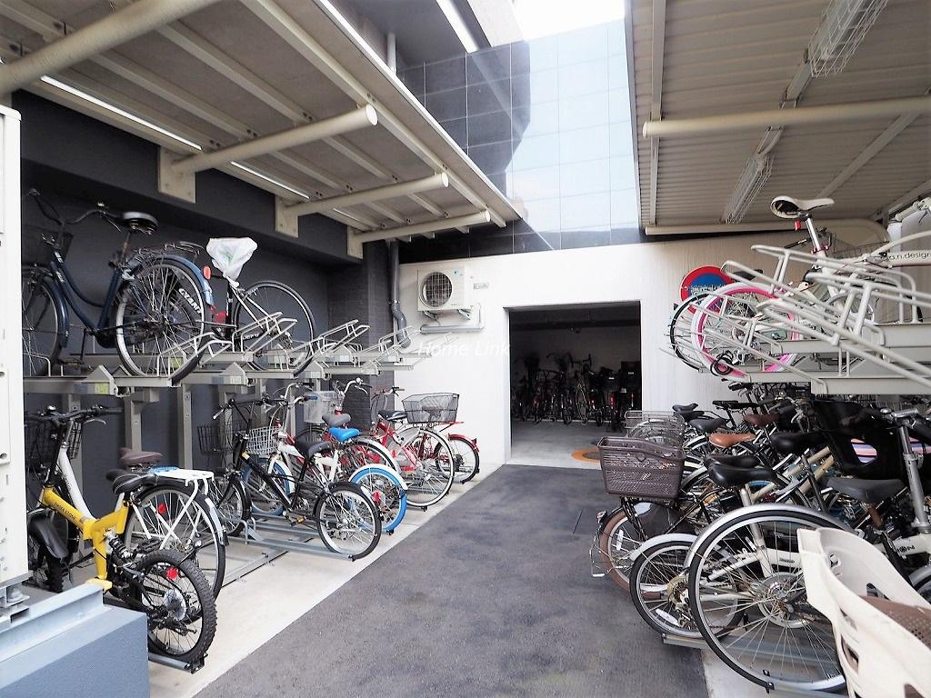 パークタワー板橋 駐輪場