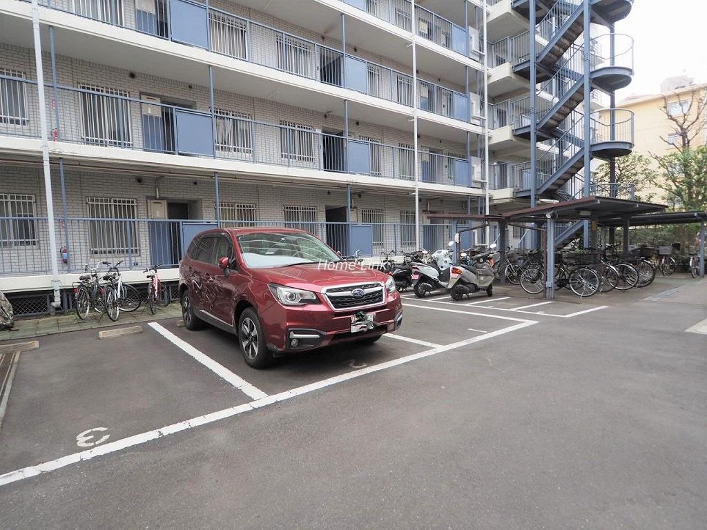 西台セントラルマンション 駐車場