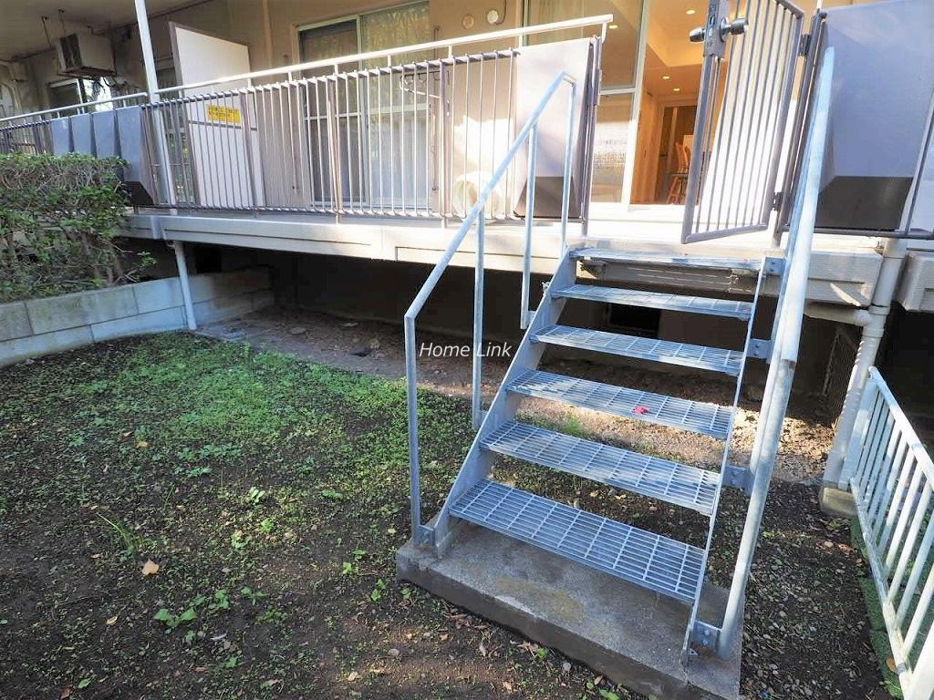小豆沢パークファミリアB棟1階 幅広く活用できる専用庭