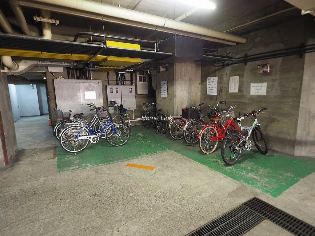 小豆沢ローズハイム 駐輪場
