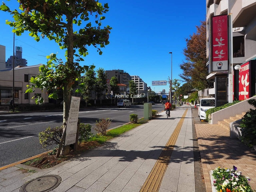 小豆沢ローズハイム 前面道路歩道