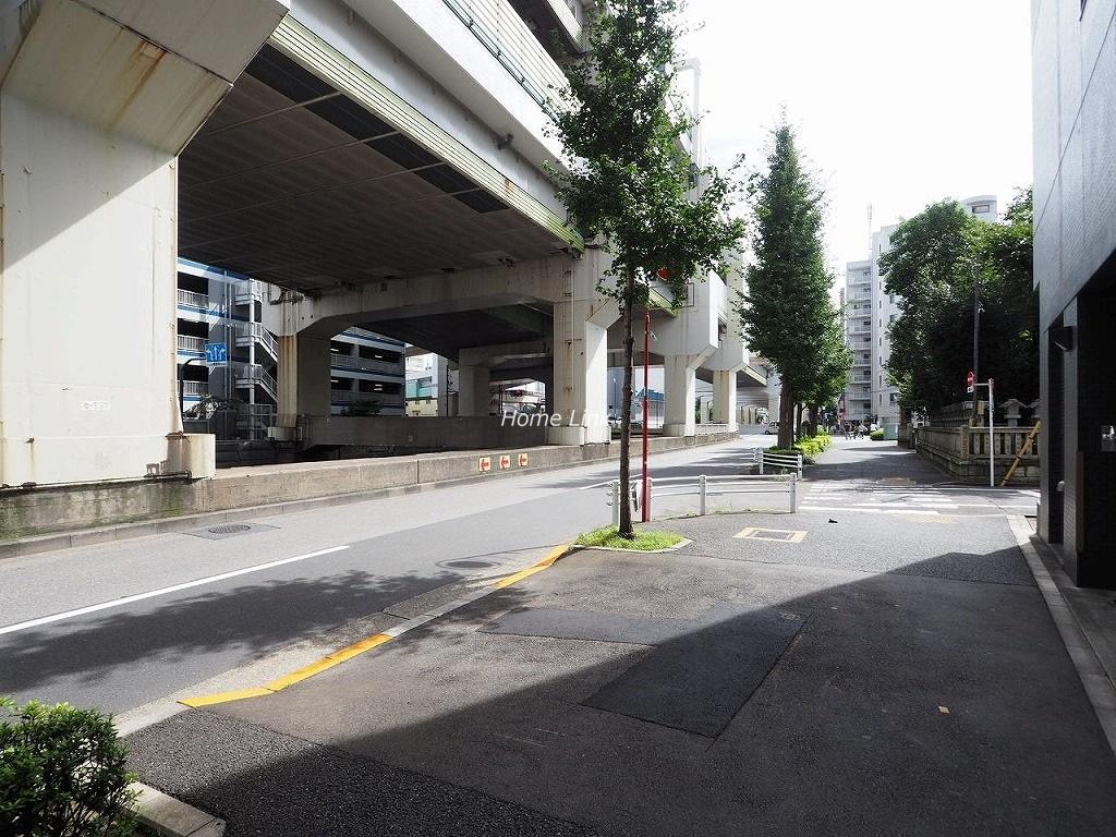 シーズスクエア池袋西 前面道路歩道