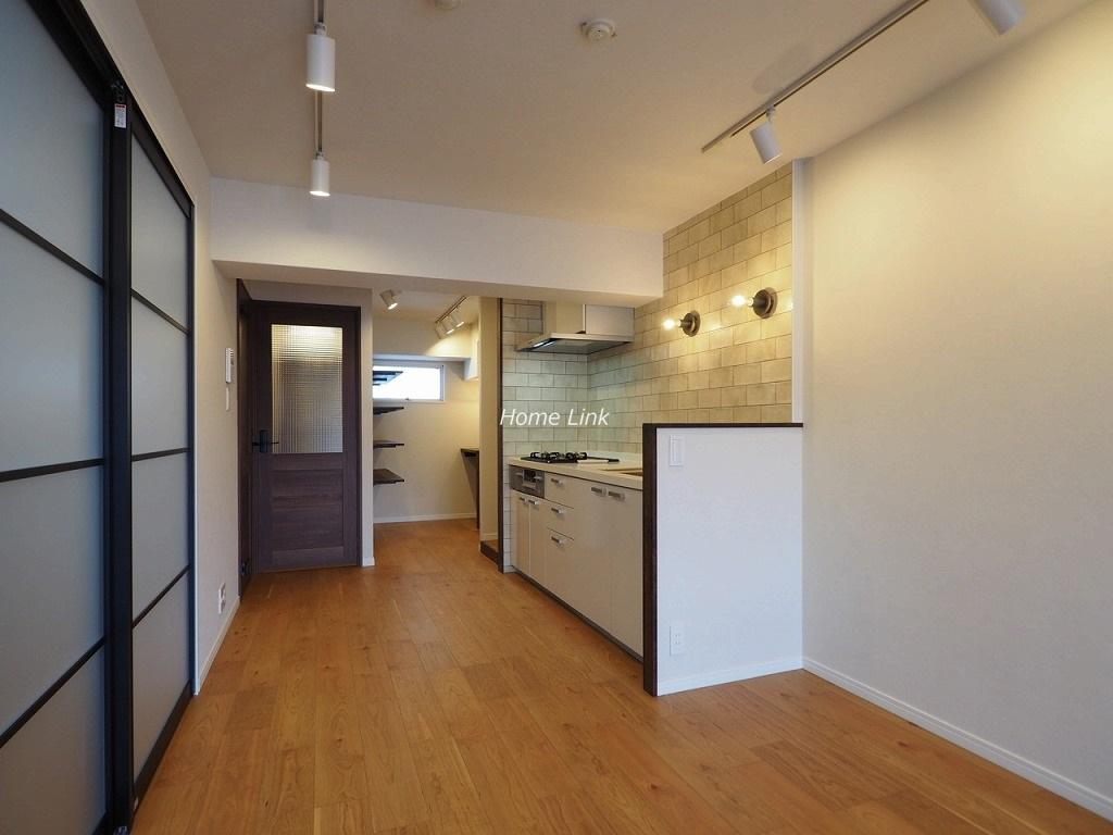 上板橋サンライトマンションAL棟3階 キッチンの脇には書斎スペース