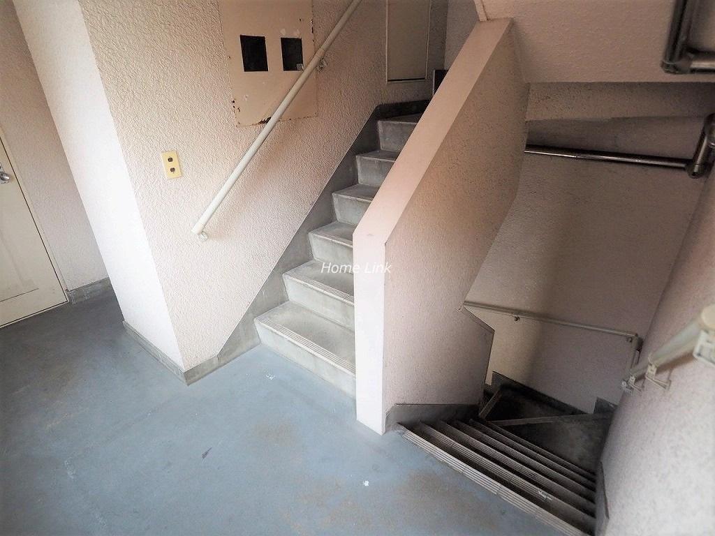 中板橋オリンピックマンション 共用部階段