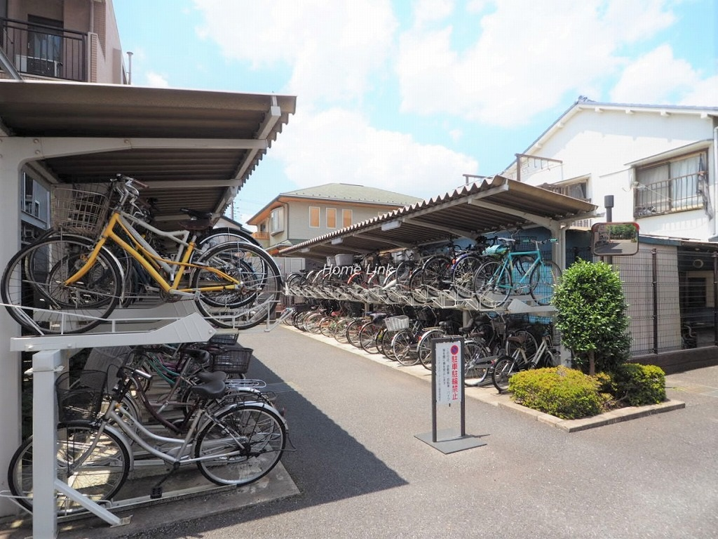 ライオンズガーデン戸田公園 駐輪場