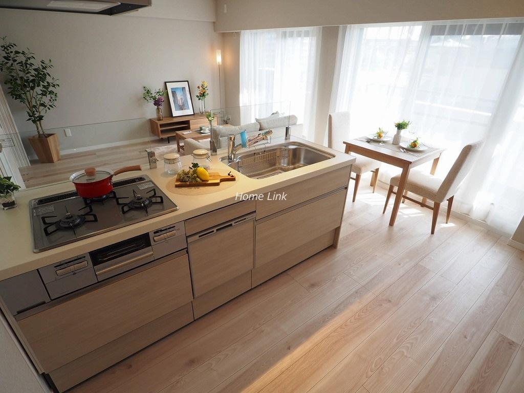 ナイスアーバン志村坂上8階 開放的なフルオープンキッチン